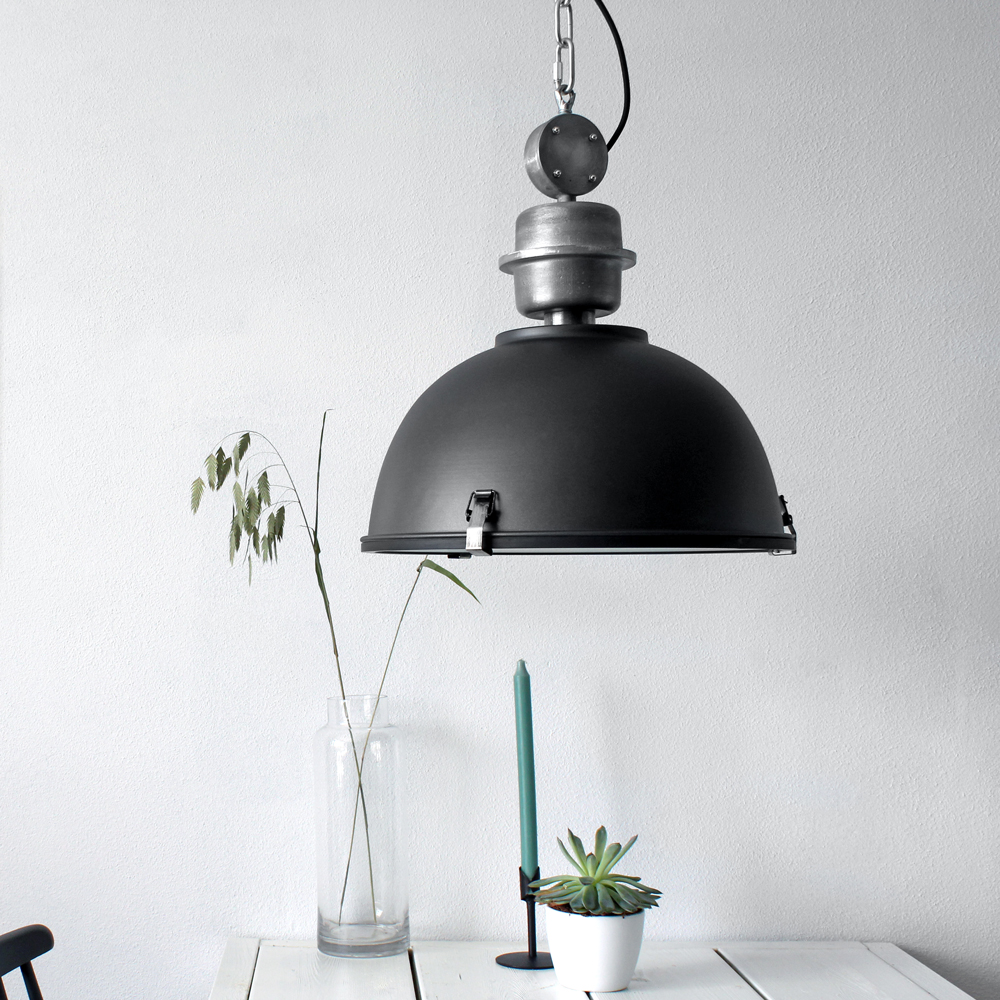 suspension industrielle pendentif core 42 cm noire. Black Bedroom Furniture Sets. Home Design Ideas