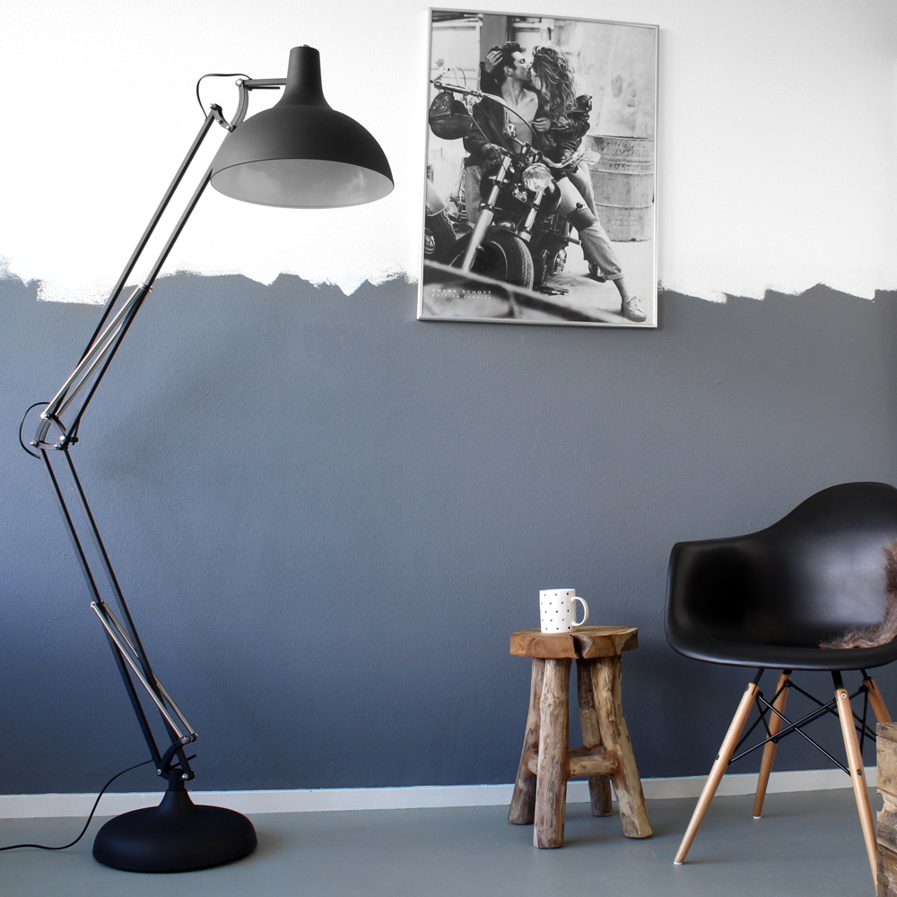 lampadaire sur pied giga noir de 180cm. Black Bedroom Furniture Sets. Home Design Ideas
