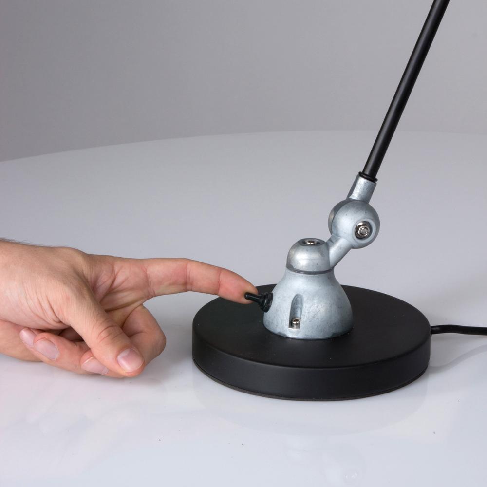 lampe de bureau industrielle noire jip. Black Bedroom Furniture Sets. Home Design Ideas