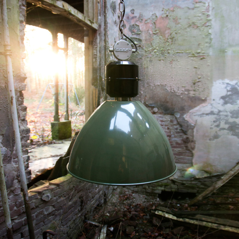 lampe industrielle verte