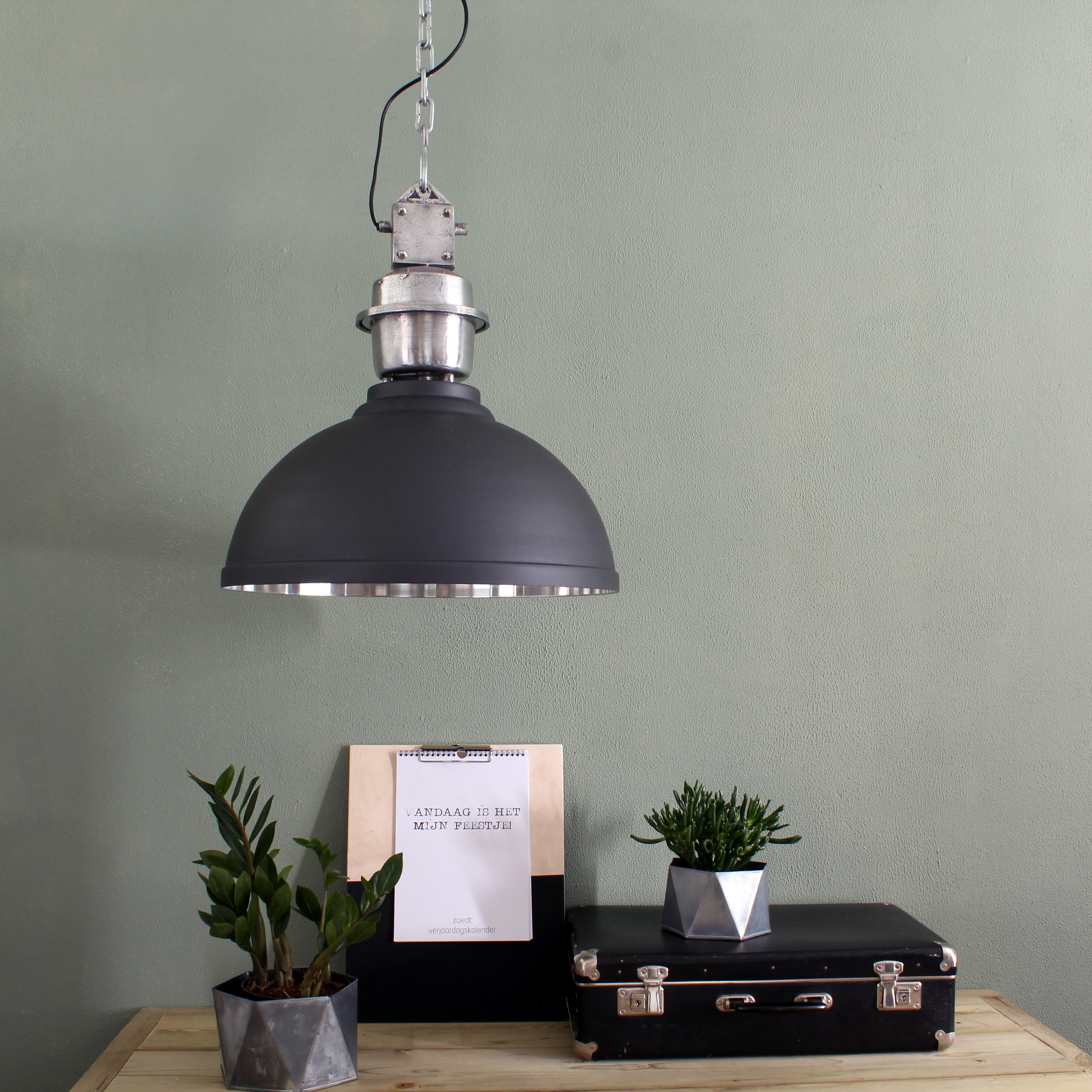 suspension industrielle rome xxl gris. Black Bedroom Furniture Sets. Home Design Ideas